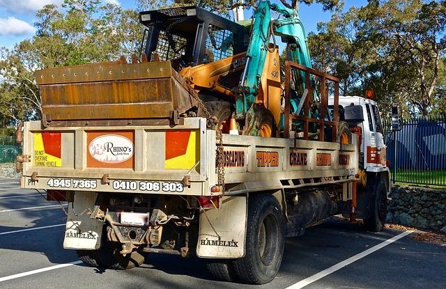 Převoz stavebního stroje