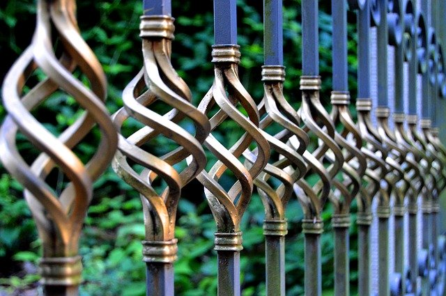 plot u domu