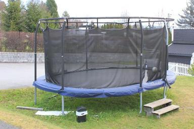 trampoline_jump_kin